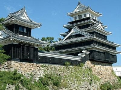 日本三大水城に数えられる「中津城」。城マニアの方は必見ですね!ぜひ自動車学校での勉強の空き時間に見学してみてくださいね♪