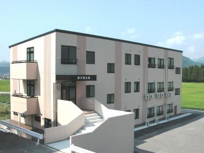 校内宿舎A棟<br/>※満室の場合は提携ホテルを利用する場合がございます。