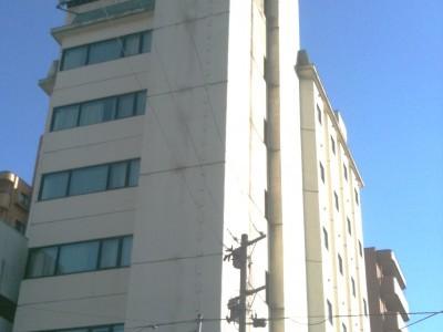ホテルは繁華街にあり、周辺には飲食店やコンビニ等多数ございます。