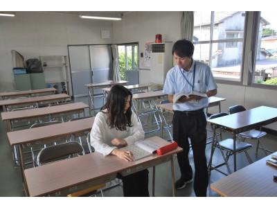 学科試験に向けて、しっかりとお勉強!! 疑問に思ったことはすぐに聞いて、満点合格を目指しましょう♪