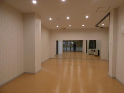 教習生専用の新施設【K・Dクラブハウス】内には卓球スペースもあります!でわいわい卓球。楽しくてつい教習時間を忘れてしまわないよう注意してくださいね♪