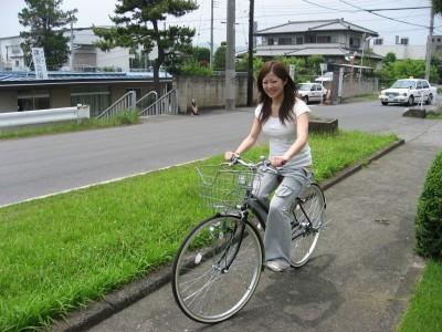 無料レンタサイクルでお出かけ。 周辺にはカラオケなど自転車で10分以内のところにありますので、無料レンタサイクルが大活躍です。