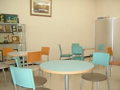 雰囲気も抜群のスタイリッシュなテーブルとチェアがお友達との時間を充実させてくれます。