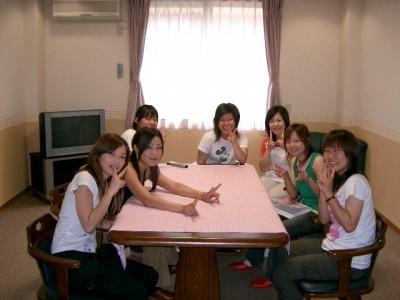 うれしい特典。期間中に1回、教習生の皆様の歓迎ランチパーティがあります。新しい友達もできるかも?
