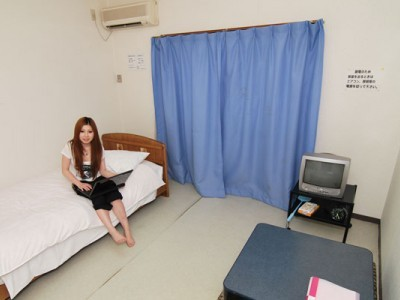 さくら那須モータースクールの宿泊施設の一部屋。一人なのにこんなに広くていいんですか?!というくらい広いですよ♪