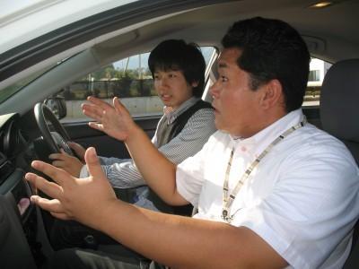 親切・丁寧がモットーのマツキドライビングスクール白鷹校。しっかりと納得いくまで担当指導員がサポートしてくれます。広大なコースで楽しく教習♪