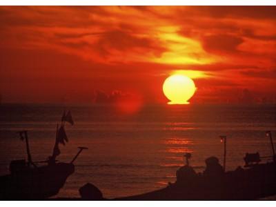 日本海の夕日をぜひご覧になってください。
