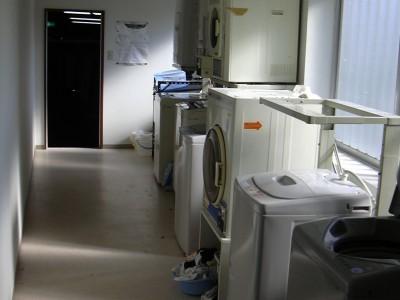鳥取県自動車学校内の洗濯機・乾燥機は無料で使用することができます。雨の日や冬の寒い日も安心して洗濯することができます♪