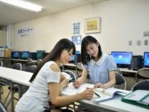 鳥取東部自動車学校には、女性専用の自習室もあります。受講生全員が快適に教習を進められるよう、いろいろな設備が整っています。