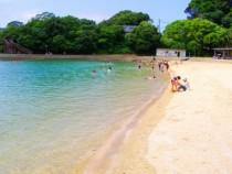 すぐそばにはビーチがあります!教習後は青い海を見て、心と体をリフレッシュ♪長崎ならではの美しい夕日を眺めることもできます。