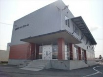 近代的な建物の校舎はキレイで清潔感があります。快適空間でバッチリ教習♪