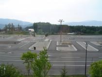都会ではなかなか見られない広大な教習コースは遠野ドライビングスクールの自慢です!一つの山を開拓して作られた、広々としたコースをぜひ堪能してください♪