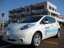 話題の電気自動車の日産リーフの教習車も!教習所で電気自動車の体験が出来るのは嬉しいですね。