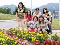 田島ドライビングスクールの教習コースには、季節によってさまざまなお花が。自然と気持ちも和みますよね♪笑顔で楽しく教習を受けて、免許取得を目指しましょう!