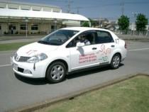 教習車は多くの教習所でも採用されているマツダのアクセラ。2014年10月に新車が入り、MT車は白、AT車は赤になりました♪