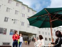 岡山県最大級の広さと設備が整っているワクワク感タップリの校舎!とても綺麗なので、気持ちよく教習を受けられますね♪