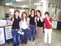 鳥取県自動車学校の受付はオープンな作りになっており、合宿に関する疑問も受付の方に相談しやすいのが特徴です。