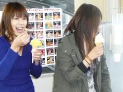 松江城北自動車教習所の中では、生徒さんに向けてデザートも販売しています。頑張った自分へ、教習の合間にご褒美スイーツをどうぞ!