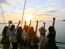 学校の近くには観光地がいっぱいあります!教習で仲良くなった友達と観光地を巡り、佐世保ならではの景色を堪能できます!たくさんの思い出を作ってください♪