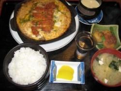 水俣自動車学校の合宿に参加した皆さんから、「おいしい」と大好評の日替わり定食♪毎日こんな素敵な夕食が食べれるなんて幸せです!