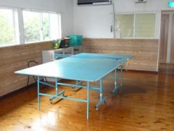 宿舎には卓球台やテニスコートが併設されています!グループで参加された方や仲良くなった教習仲間と共にいざ勝負!!気分転換・リフレッシュに是非ご利用ください!!