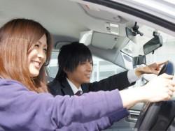 わかりやすい指導をモットーにしているマツキドライビングスクール山形中央校の指導員は、皆フレンドリー。リラックスして運転できそうですね♪どんなささいなことでも指導員に質問・相談してください!教習生のみなさんにとって充実した、免許合宿になるよう、指導員一同、一生懸命がんばります!