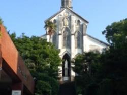 「大浦天主堂」 日本最古の現存するキリスト教建築物で1953年(昭和28年)に国宝に指定された文化財です。