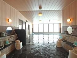 宿泊施設は燕三条駅近くのビジネスホテル。合宿期間中は毎日展望風呂やサウナも楽しめちゃいます♪ホテルにはコインランドリーもあるので着替えの心配もいりません。