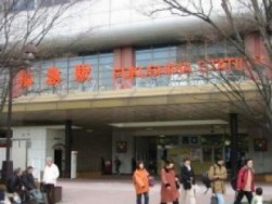 ホテル板倉、ホテルサンルート福島などの宿泊施設は、福島駅の前にある好立地。周辺にはショッピングスポットやグルメスポットがたくさんあるのでとっても便利です。教習生活も安心です。