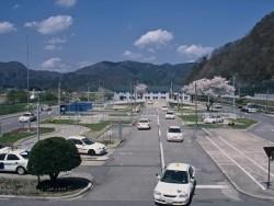 大自然の澄んだ空気に満ちた田島ドライビングスクールの広大な教習コース! 初心者の方でも安心。清々しい気分で教習を受けることができます♪