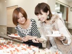 特典のケーキバイキング!すべて無料のケーキバイキングは味も量も大満足間違いなし。生徒に大人気です!(月2回開催中)