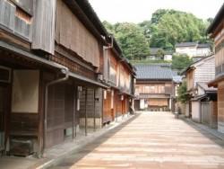 宿泊先は金沢駅の近く。そのため、空き時間には古都金沢の観光も思う存分楽しめます♪古きよき日本を感じてみてください。