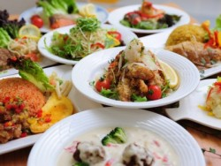 食事には自信あり!月に1度、季節を感じる特別メニューをご用意。カレーフェアやイタリアンパスタ祭など・・・お楽しみに!(写真はイメージです)